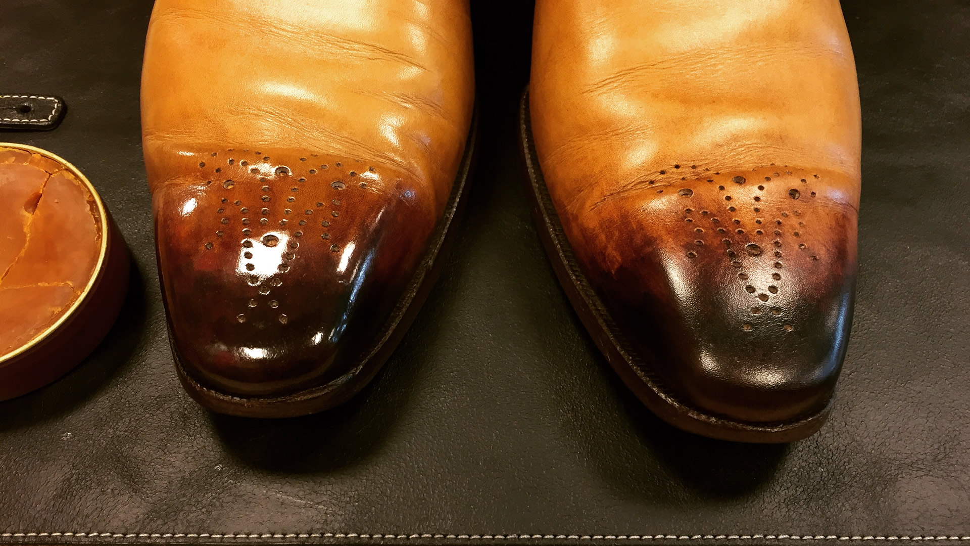 how to get leather shoes to stop squeaking