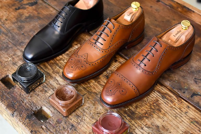 Pick best matching colour shoe polish