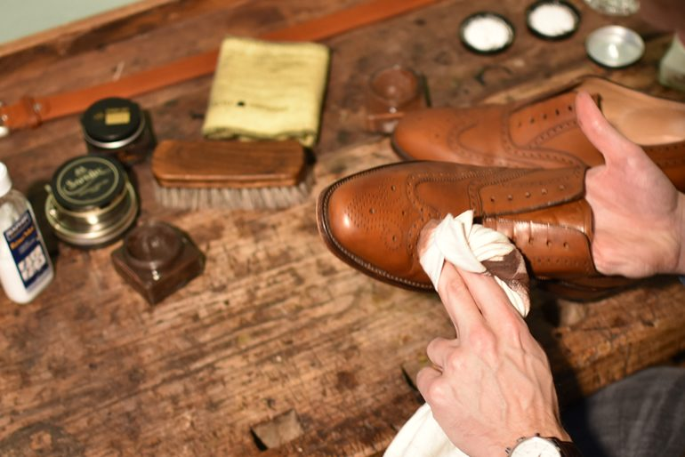 basic saphir shoe shine guide
